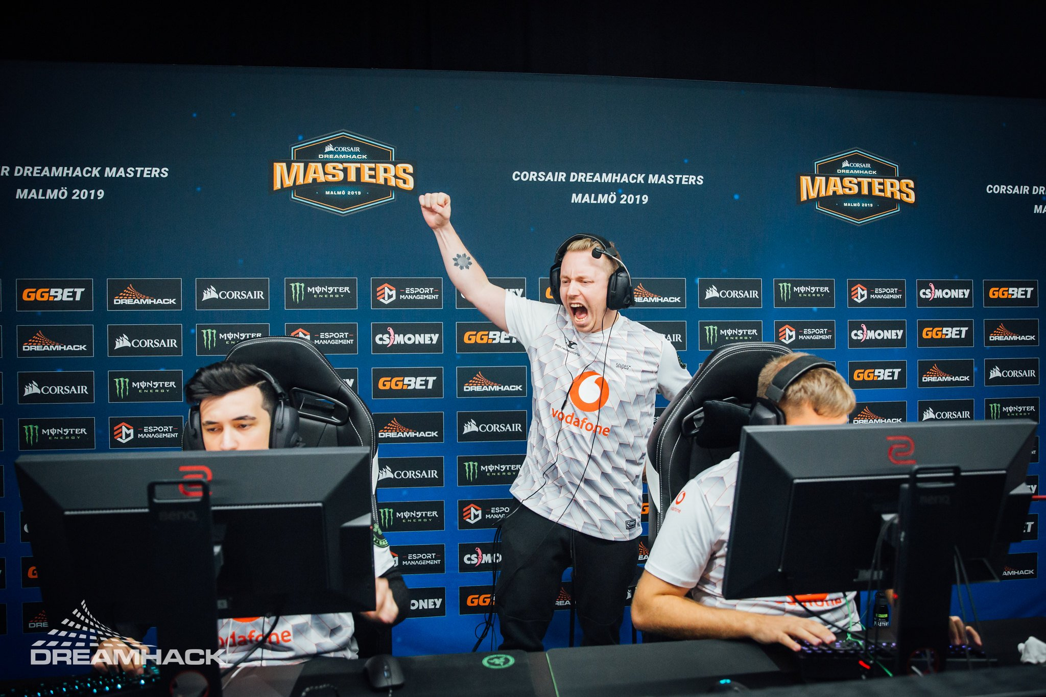 Mousesports defeat G2 at cs_summit 5